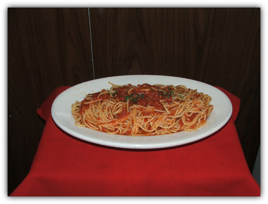 Spaghettini Marinara with tomato sauce.